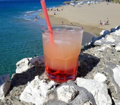 Готовим коктейль в пляжных условиях. Карибы ликуют!